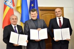 Vitalii Bunechko Signed Memorandum with MNG on Construction of Solar Power Plant